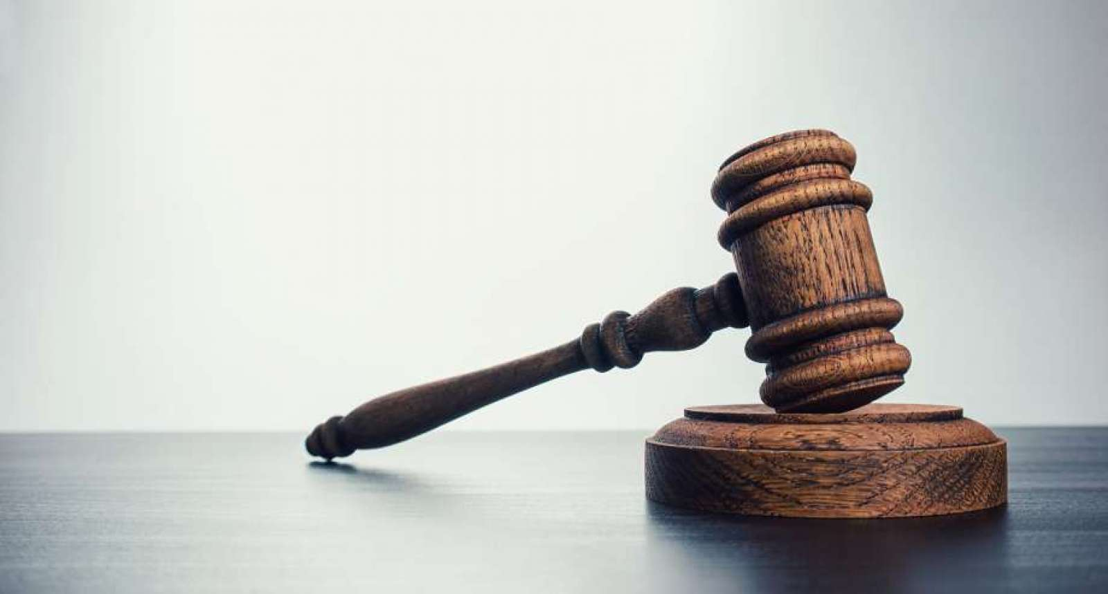 Staging the Courtroom: The Eighth Circuit Rules on Who May Sue Whom